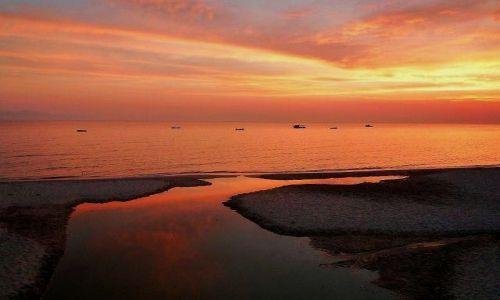 Zdjęcie GRECJA / Chalkidiki / Kassandra / W blasku zachodzącego słońca