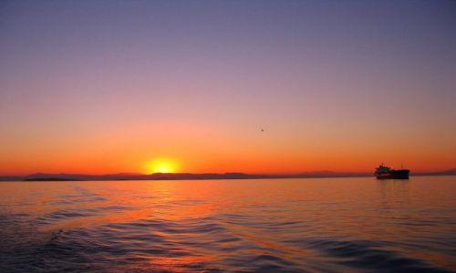 Zdjecie GRECJA / Morze Egejskie /  Zatoka Sarońska / Zachód słońca w Zatoce Sarońskiej