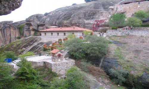 GRECJA / Tesalia /  w okolicy Kostraki / Meteory - monastyry na skałach