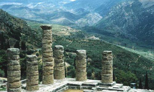 Zdjecie GRECJA / brak / Delfy / Świątynia Apollina w Świętym Okręgu Delfickim