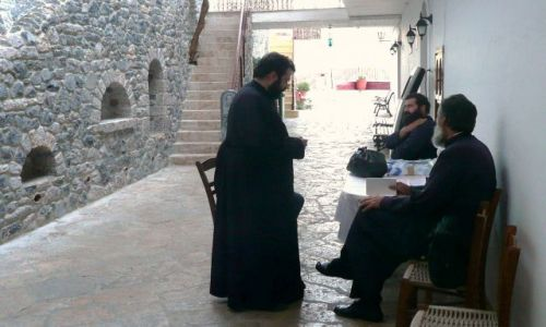 Zdjęcie GRECJA / Peloponez / Leonidion / Mnisi z monastyru