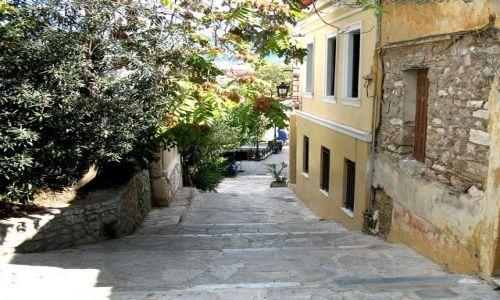 Zdjęcie GRECJA / Attyka / Ateny / uliczka w starym stylu