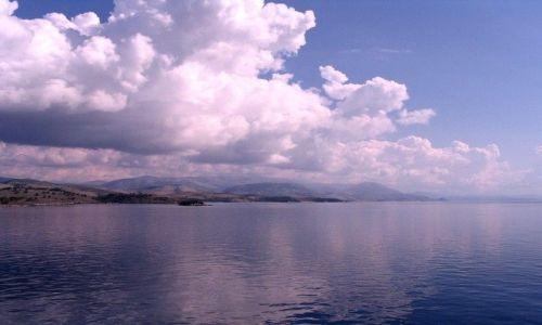 Zdjęcie GRECJA / Morze Śródziemne /  wybrzeża Albanii / chmury