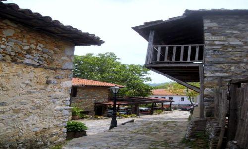 Zdjecie GRECJA / Tesalia / Paleos Panteleimonas / kamienny zakatek