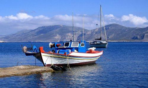 Zdjecie GRECJA /  Archipelag Wysp Dodekanez / Wyspa Leros / przycumowana