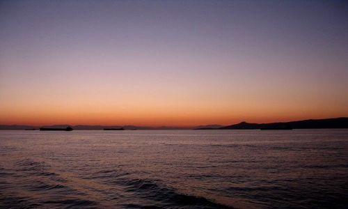 Zdjecie GRECJA / Morze Egejskie / Zatoka Sarońska /  o zmierzchu