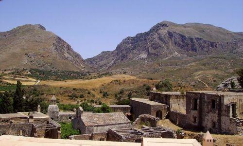 Zdjęcie GRECJA / wyspa Kreta / Preveli / stare zabudowania klasztorne- Preveli