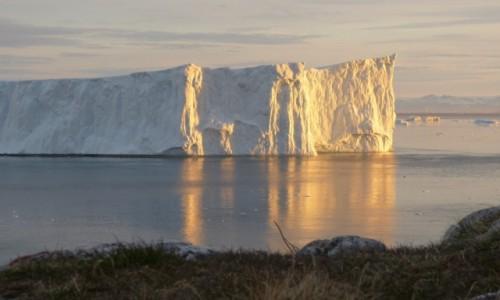 Zdjecie GRENLANDIA / Grenlandia Zachodnia / Ilulissat / Kawałek lodu o północy