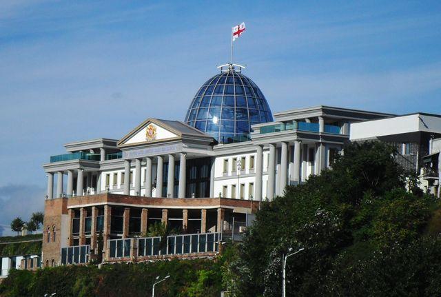 Zdjęcia: Tibilisi, Pałac prezydencki w Tibilisi, GRUZJA