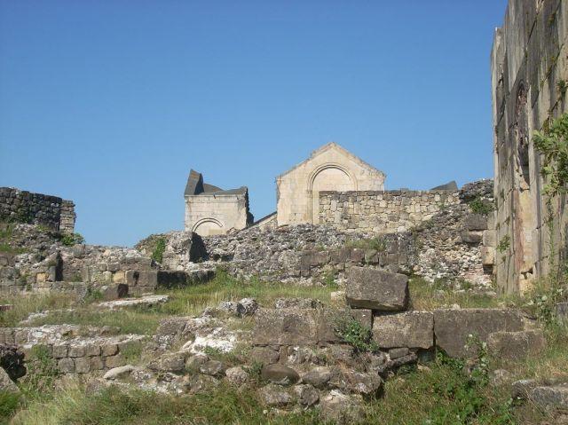 Zdjęcia: Kutaisi, Imeretia, Pozostałości pod katedra Bagrati, GRUZJA
