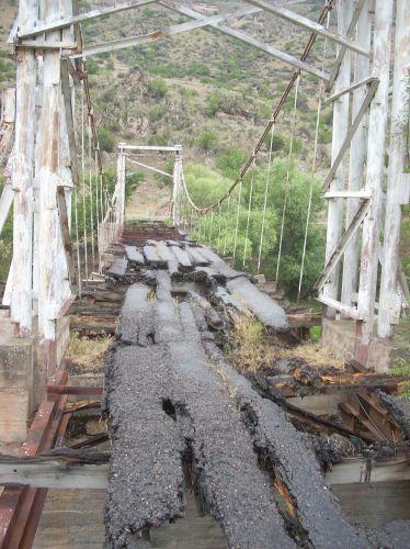 """Zdjęcia: Wardzia, """"Most"""" do skalnego miasta, GRUZJA"""