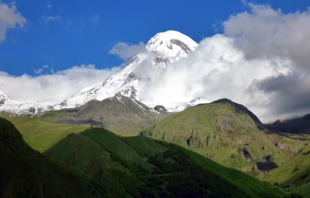 Zdjęcia: Stepancminda, Wschodnai część centralnego Kaukazu, Zawoalowany majestat Mkinwarcweri, GRUZJA