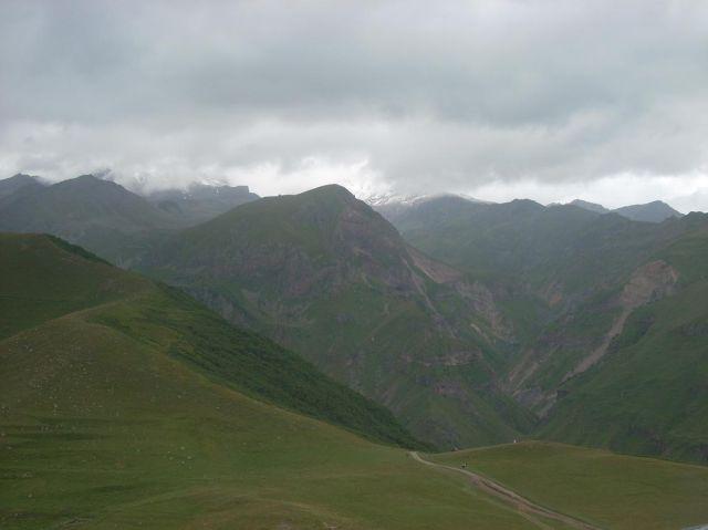 Zdjęcia: Kazbegi, Kaukaz, Gdzie jest Kazbek?, GRUZJA