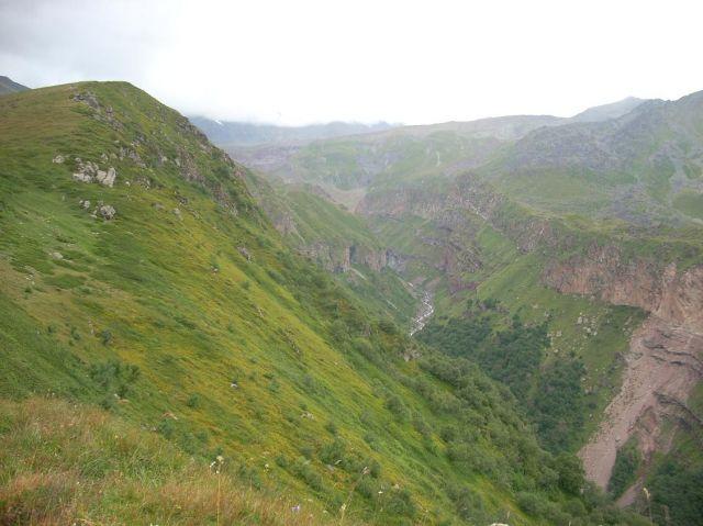 Zdjęcia: Kazbegi, Kaukaz, Strumyk z lodowca, GRUZJA
