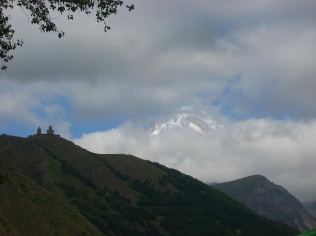 Zdj�cia: Kazbegi, Kaukaz, Kolejny poranek u stop Kazbeku, GRUZJA