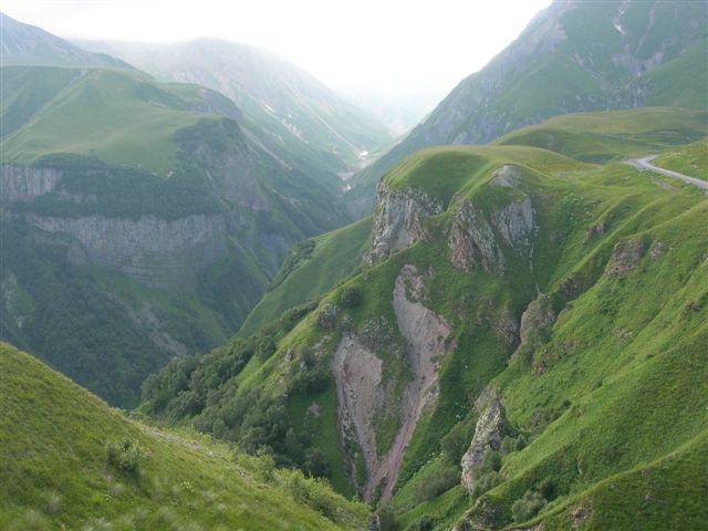 Zdjęcia: Gruzińska Droga Wojenna, Kaukaz, droga do Kazbegi, GRUZJA