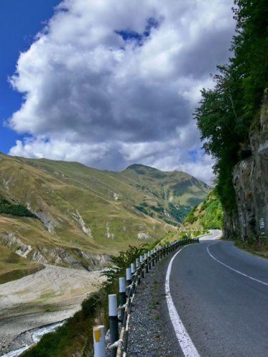 Zdjęcia: Gdzieś po drodze do wsi Kazbegi., Mtiuleti, Gruzińska Droga Wojenna, GRUZJA