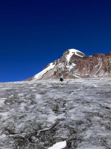 Zdjęcia: Początek lodowca prowadzącego pod Kazbek (5047m)., Khevi, Pierwszy raz na lodowcu, GRUZJA