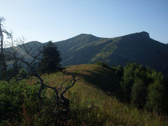 Zdjęcia: północny-zachód od Atskuri (Atskuri w połowie drogi pomiędzy Borżomi a Akhaltsikhe), Park Narodowy Borżomi-Karaguli, ... łyse góry..., GRUZJA