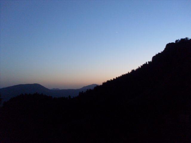 Zdjęcia: północny-zachód od Atskuri (Atskuri w połowie drogi pomiędzy Borżomi a Akhaltsikhe), Park Narodowy Borżomi-Karaguli, ... pierwsza gwiazda..., GRUZJA