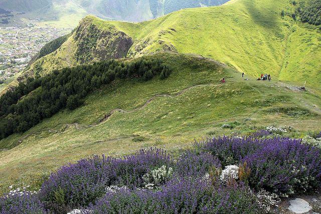 Zdjęcia: Wojenna droga, wzgórze Gergati, okolice Kazbegi..., GRUZJA