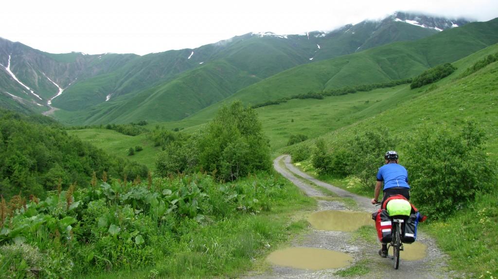 Zdjęcia: droga na przełęcz Zagaro, Kaukaz, Konkurs, GRUZJA