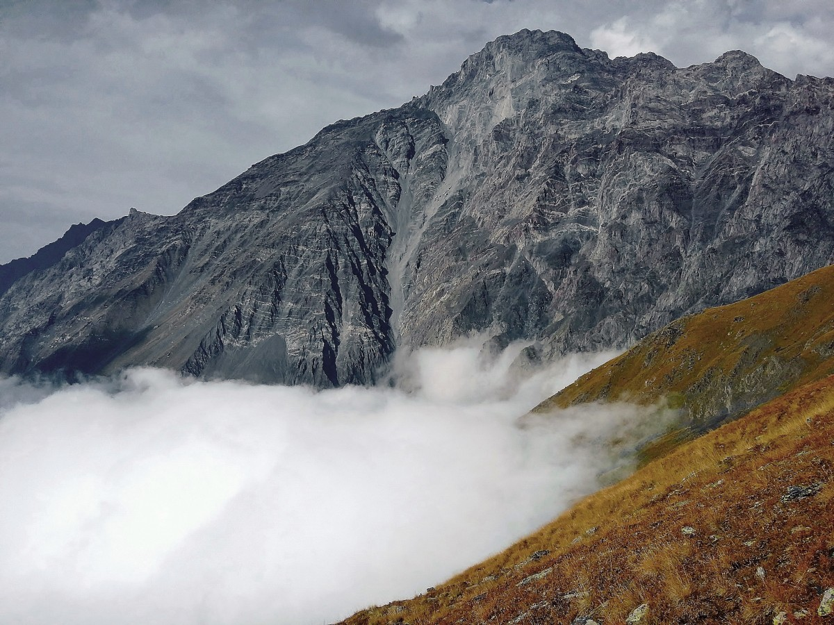 Zdjęcia: boczna grań Kuro Range nad Kazbegi, Kaukaz okręg Mccheta-Mtianetia, Kurostsveri, GRUZJA