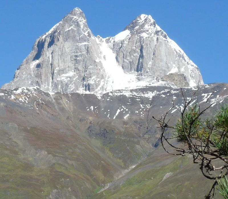 Zdjęcia: Kazbegi, Kaukaz, Ushba wiedźma Kaukazu, GRUZJA