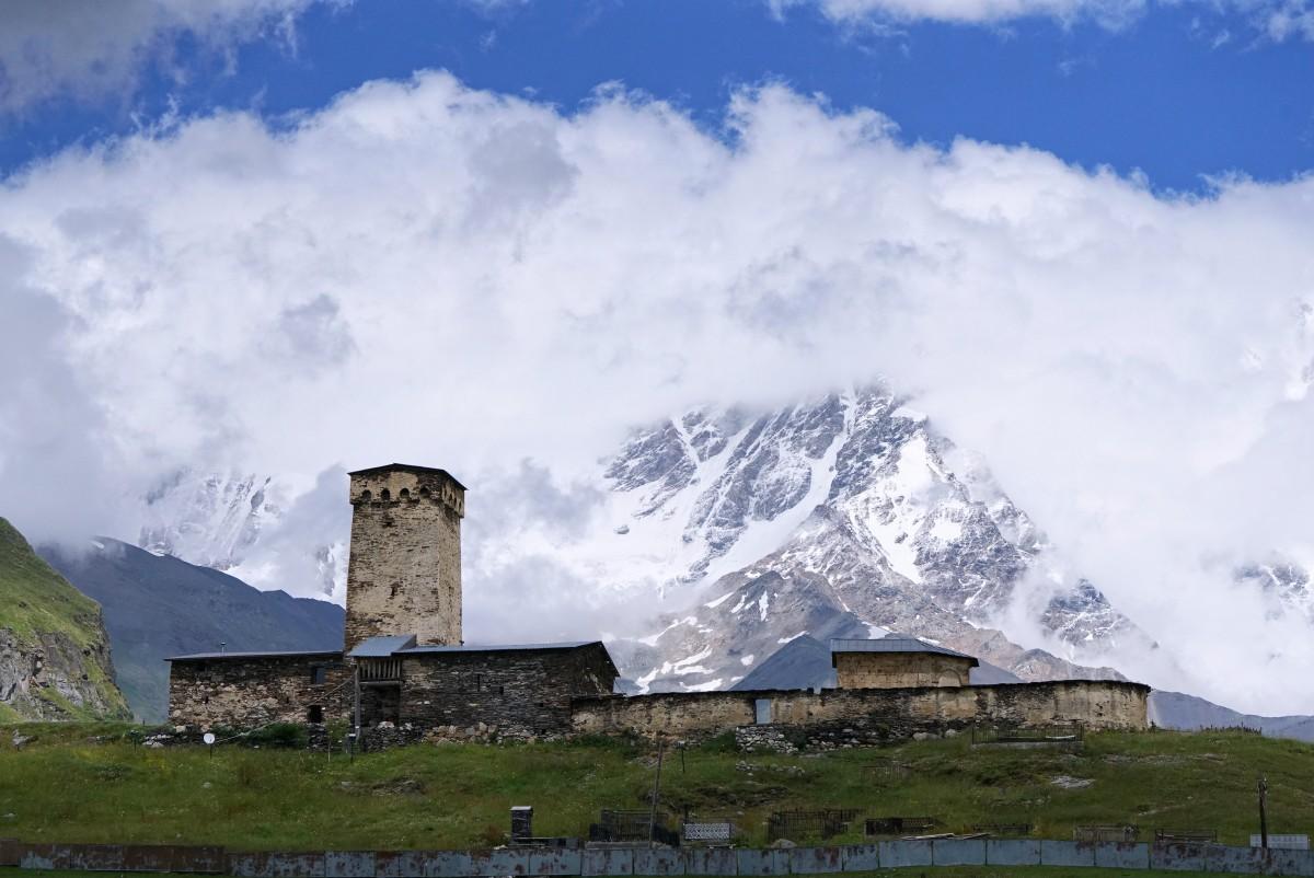 Zdjęcia: Ushguli, Svanetia, Kościółek La Maria, GRUZJA