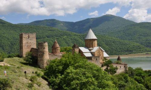 Zdjęcie GRUZJA / Mccheta - Mtianetia / Forteca Ananuri / Przy Gruzińskiej Drodze Wojennej