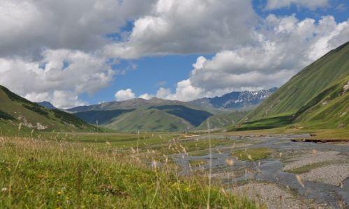 Zdjęcie GRUZJA / Mccheta - Mtianetia / Okolice Kazbegi / Krajobraz Kaukazu