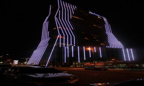 Zdjecie GRUZJA / - / Gruzja - Batumi / Gruzja - Batumi nocą