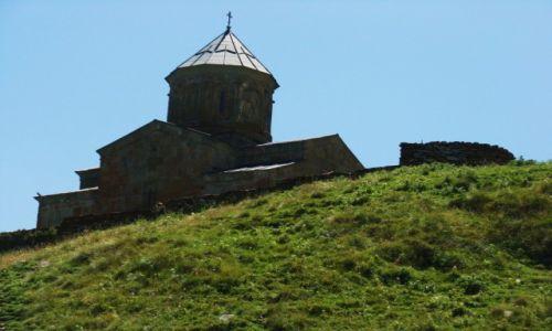 Zdjecie GRUZJA / Chewi / Kazbegi miasto / Najświętrze miejsce regionu