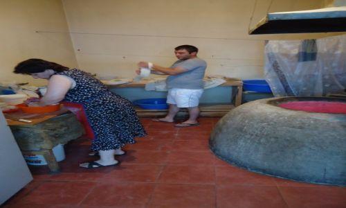 Zdjecie GRUZJA / Adżaria / Batumi / Wypiek chleba (1)