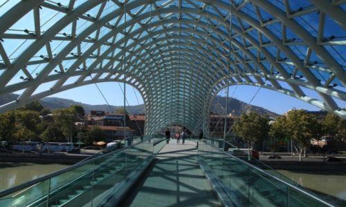 Zdjecie GRUZJA / Tbilisi / Avalbari / Most Pokoju w Tbilisi