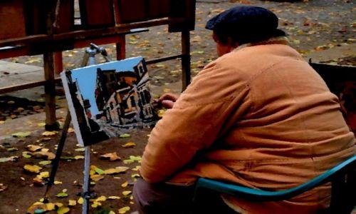 GRUZJA / Tbilisi / Uliczny artysta... /