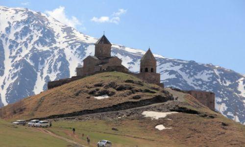 Zdjecie GRUZJA / Gruzja / Kaukaz / Święte miejsce w górach