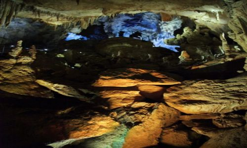 Zdjecie GRUZJA / Kutaisi / Tsaltubo - Jaskinia Prometeusza / Formy i barwy