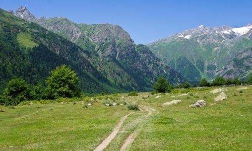 GRUZJA / Swanetia / dolina pod Uszb� / Dolina pod Uszb�