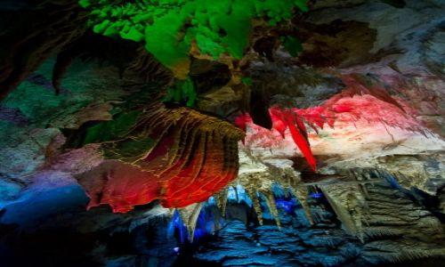 Zdjęcie GRUZJA / Imeretia / Jaskinia Prometeusza / Gra świteł