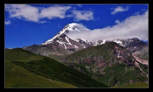 Zdjęcie GRUZJA / Kaukaz / Tsminda Sameba / Kazbek