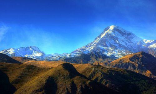 GRUZJA / Mccheta-Mtianetia / Kaukaz Wielki / �wi�tynia Cminda Sameba i Kazbek