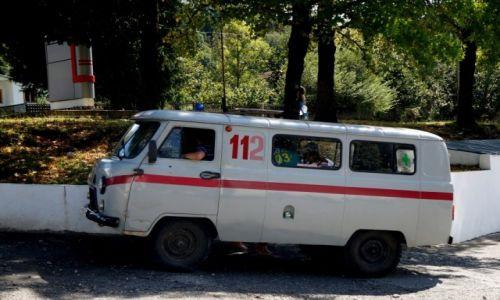 Zdjęcie GRUZJA / Imeretia / na stacji benzynowej w drodze do Kutaisi / Pogotowie