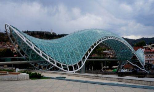 Zdjecie GRUZJA / Tbilisi / Tbilisi / Most pokoju