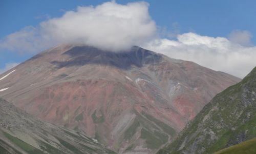GRUZJA / Kaukaz / Gruzińska Droga Wojenna / pod chmurką