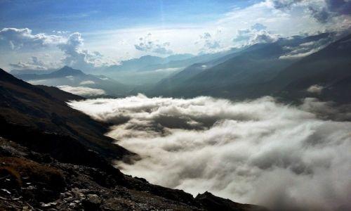 Zdjecie GRUZJA / Kaukaz / Południowo-zachodnia grań Kuro Range / Ziemia 2