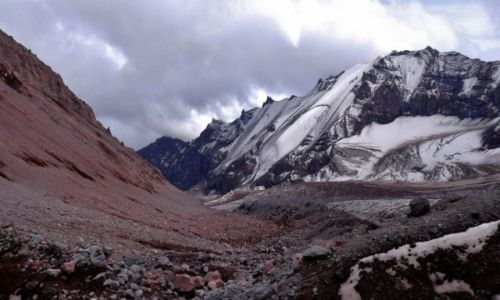 Zdjęcie GRUZJA / Mt. Kazbek / Lodowiec Gergeti / Ortsveri nad lodowcem Gergeti