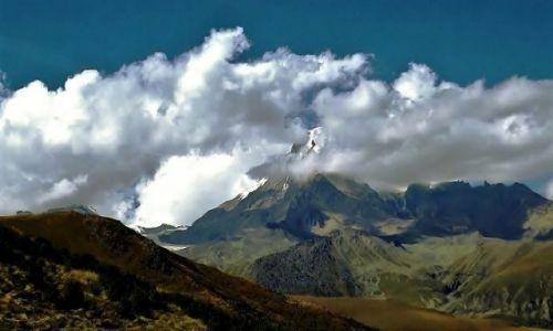 GRUZJA / Kaukaz / Kazbek / Tu P�ot sw�j widz� ogromny!