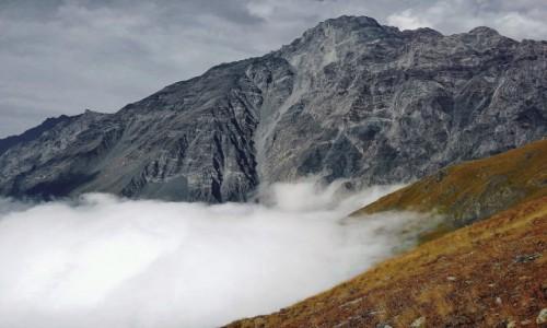 GRUZJA / Kaukaz okręg Mccheta-Mtianetia / boczna grań Kuro Range nad Kazbegi / Kurostsveri