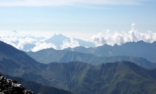 Zdjecie GRUZJA / G�ry Kaukazu / Kasebi Glacier 3715m n.p.m. / widok na Elbrus